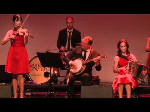 Kilfenora Céilí Band Clip 3: Traditional Irish Music from LiveTrad.com