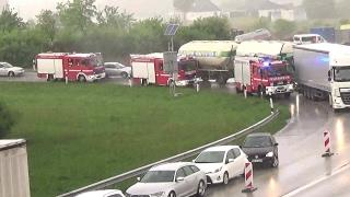 Einsatzfahrten zu einem schweren Verkehrsunfall auf der A7