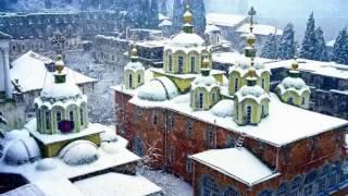 Снег на Афоне - очень редкое явление, а такой снегопад -