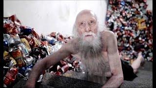 35년 동안 비상계단에 갇힌 남자의 생존법
