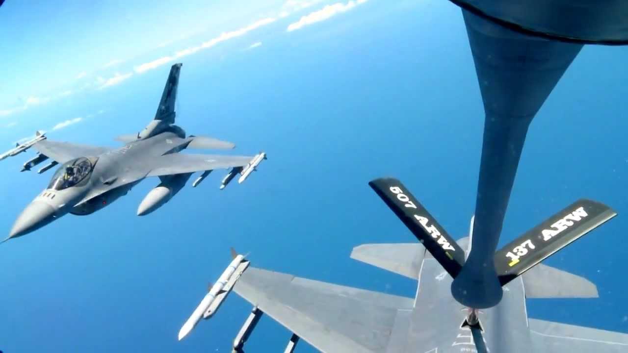 Risultati immagini per aerial refueling mission f-16