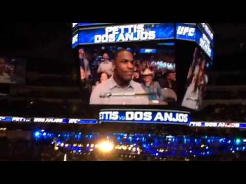Demarco Murray booed in Dallas at UFC 185