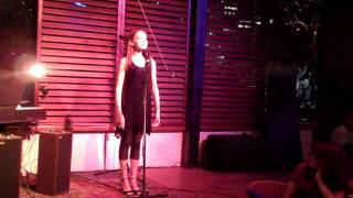 Taryn Donna Live Thumbnail