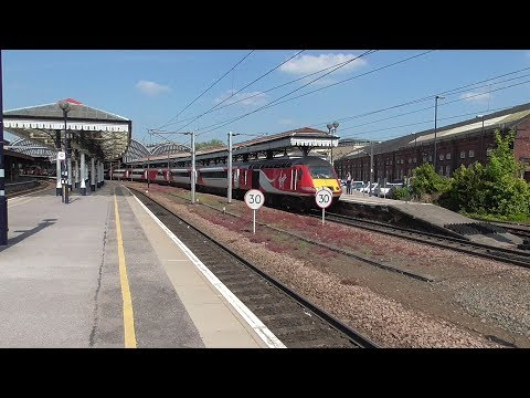 York Railway Station - featuring LNER A3 60103 'Flying Scotsman' and LMS Jubilee 45690 'Leander'