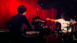 新宿ナインスパイス cowbells(愛媛)ライブ ドラム.