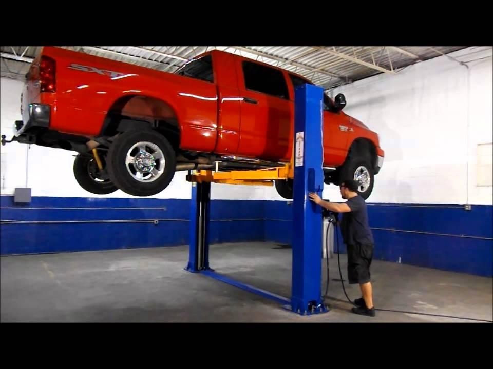 universalift 15kf 2 post light truck and car lift youtube. Black Bedroom Furniture Sets. Home Design Ideas