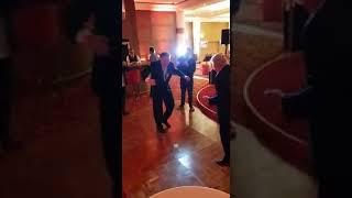 حسين فهمي ومصطفى فهمي وفي رقصة بعمر السبعينات