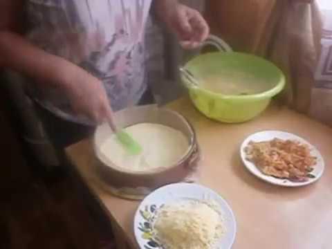 Салат Дамский каприз, рецепт с курицей и черносливом