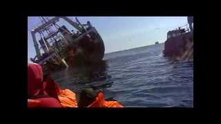 ВИДЕО С ТЕЛЕФОНА-1.mp4(Видео крушения затонувшего 26 мая 2012 года сахалинского траулера