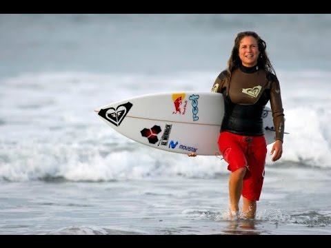 SOFIA MULANOVICH / CAMPEONA MUNDIAL DE SURF (ELSANDERTOX)