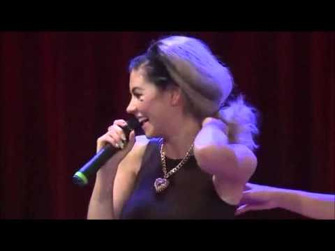 Marina And The Diamonds Laughing - Funny