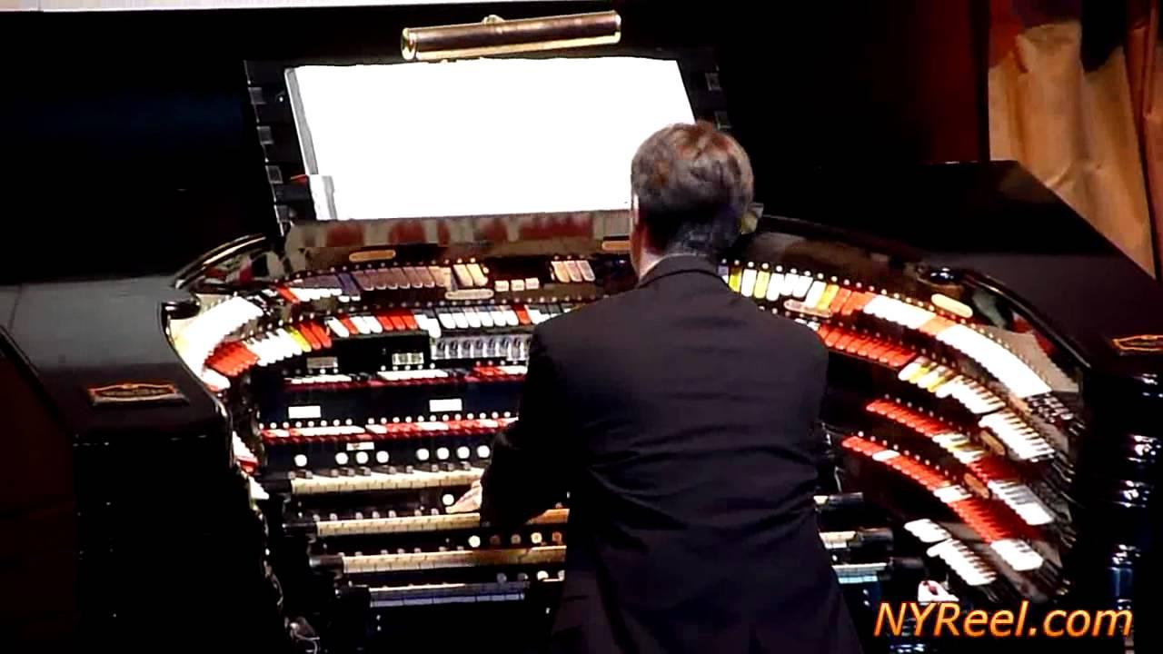 Christmas Organ Music at Radio City Music Hall,New York ...