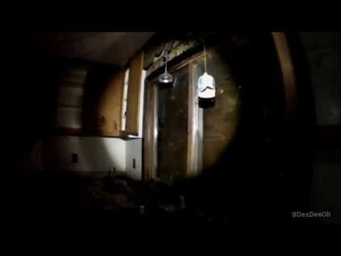 Exploring a Very Gross Abandoned House in Newtonville, Ontar