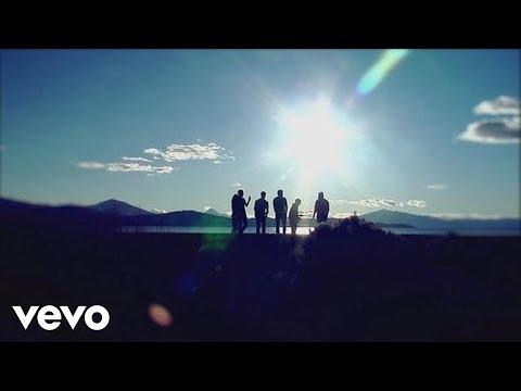 2AM Club - Let Me Down Easy (Tour Video)