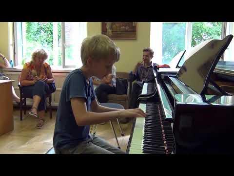 03.08.2017 Danila Tolstov. II-nd International Summer School, Moscow