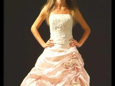 3f58ee4a70da Abiti da Sposa Guia Fashion - Sfilata Bologna Si Sposa - YouTube
