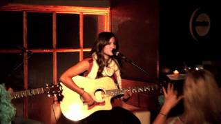 Cindy Santini live performance in Bariloche, Argentina YouTube Videos