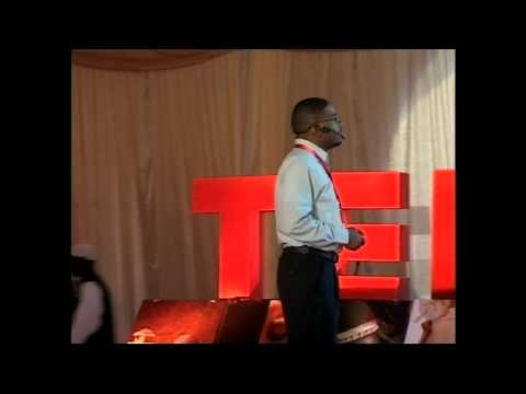 Speko (Speaking glove) -Abdelkareem Badri at TEDxKhartoum