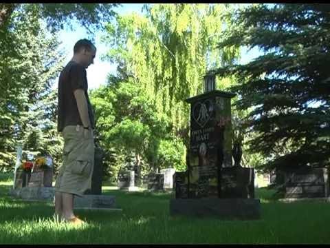 Owen Hart Gravesite and Tribute