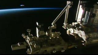 Ogromne UFO widziane podczas transmisji z ISS