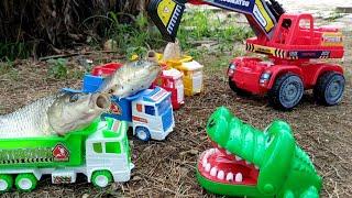 Download Lagu Mainan Truk Muat Ikan | Toy Trucks and Fish | Mobil Truk Mainan Anak mp3