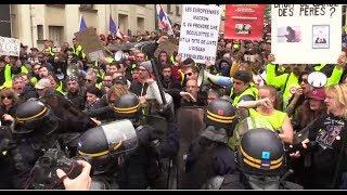 Во Франции «жёлтые жилеты» вышли на акцию протеста в 27-й раз