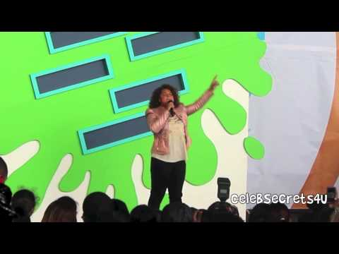 """Rachel Crow Performs """"Mean Girls"""" at World Wide Day of Play"""