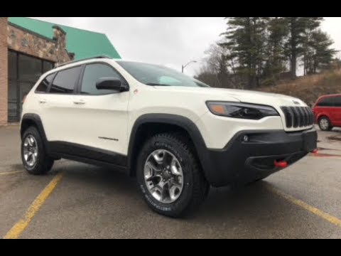 2019 Jeep Cherokee Trailhawk Pearl White
