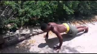 Ray kaharibu watu wanafanya mazoezi na kunywa maji