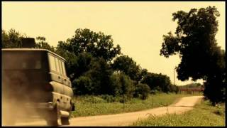 The Texas Chainsaw Massacre (2003) - Movie Trailer
