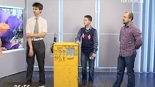 Молодые конструкторы сделали робота, который поощряет человека за сортировку мусора