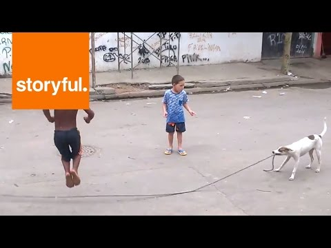 Puppy Entertains Kids With Jump Rope (Storyful, Funny)
