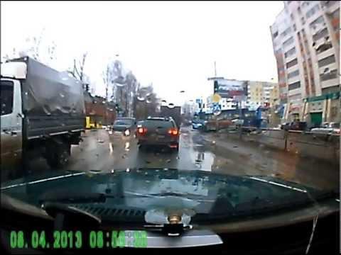 наглый автобус пермь 08.04.2013