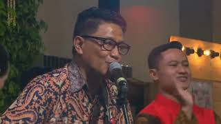 Video KKEB (Karna Kutahu Engkau Begitu) Andre Hehanusa - Kahiyang & Bobby Wedding download MP3, 3GP, MP4, WEBM, AVI, FLV Juni 2018