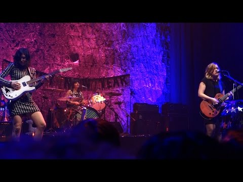 Sleater-Kinney - Milkshake n' Honey – Live in San Francisco