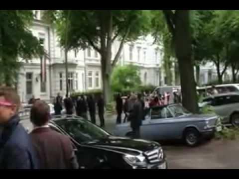Demo vor dem Haus der B! Germania Königsberg