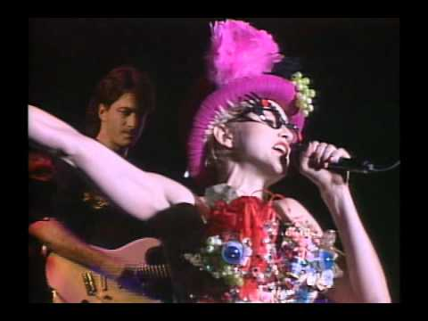 09. Dress You Up - Madonna - Who's That Girl Tour - Live In Japan