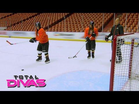 The Bella Twins play hockey: Total Divas, August 25, 2015
