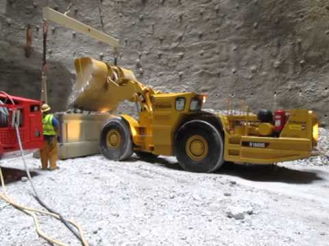 McCook Quarry Tunnel Project - Cat R1600G LHD Elphinstone