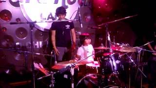 Thần đồng Drum Việt Nam solo tại  Hard Rock Cafe