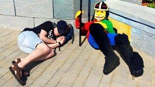 🐲 Катаемся на ДРАКОНЕ Картонка в Леголенд Дубай Лего рыцари в Лего КОРОЛЕВСТВО Изнанка ВЛОГ
