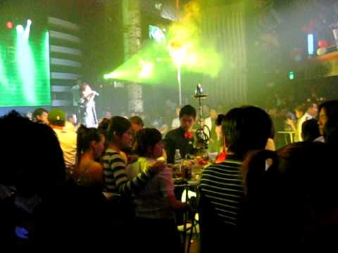 Tuấn Hưng trong đêm sinh nhật lần thứ ba của GMC Nha Trang