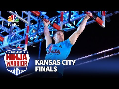 Mitch Vedepo at the Kansas City City Finals - American Ninja Warrior 2017