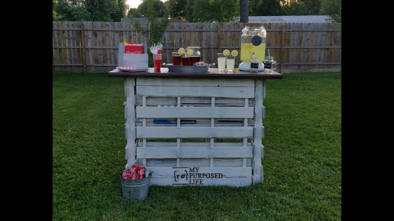 Easy folding portable pallet bar youtube for Movable pallets