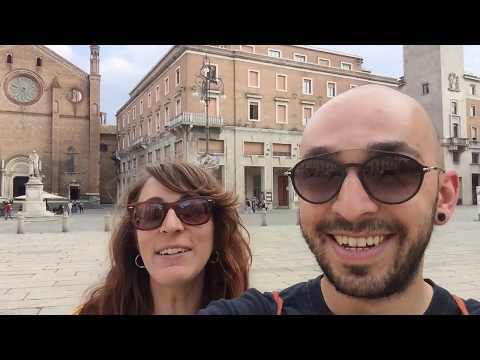 WOW air travel guide application // PIACENZA (ITALY)