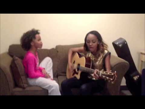 China Anne, sister Sierra & Quvenzhane' Wallis sing