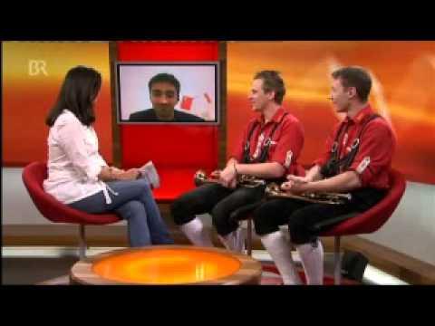 Meeblech in Shanghai - Interview (live)