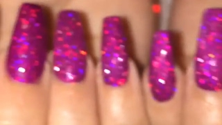 Nailtorial: Applying Loose Holo Glitter to Gel Polish (Scattered, Linear and Raw)