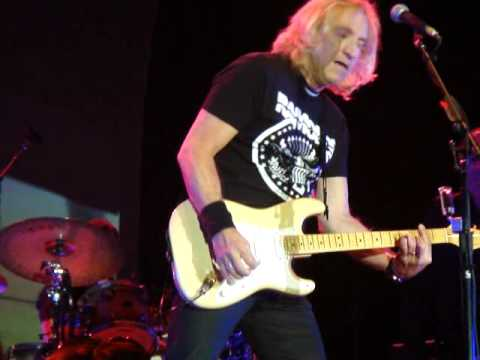 11 walk away joe walsh live in concert pittsburgh stage ae 6 2 2012 youtube. Black Bedroom Furniture Sets. Home Design Ideas