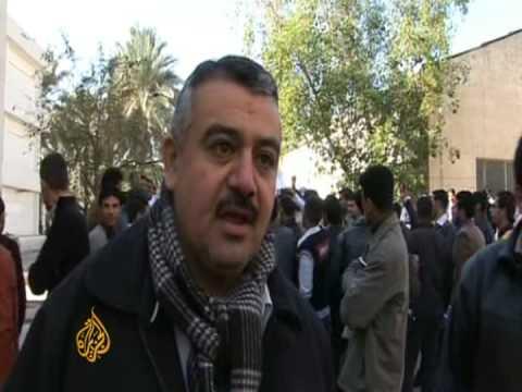 Iraqis rally in support of Bush's attacker - 16 Dec 2008